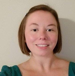 Millennial Healthy Momma Ashley author of the Irish Twins Momma blog